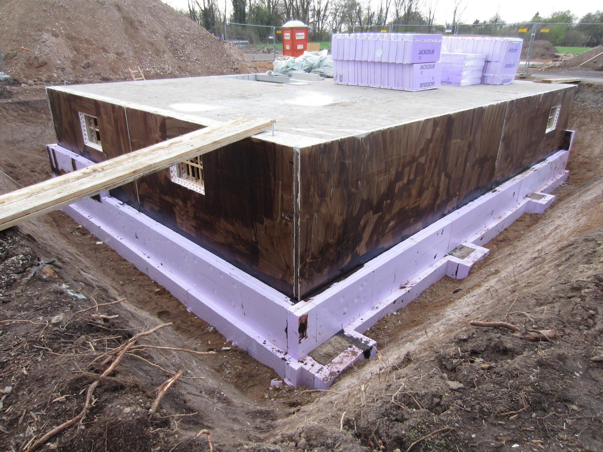 besen rot wir bauen 39 am lusthaus 39. Black Bedroom Furniture Sets. Home Design Ideas